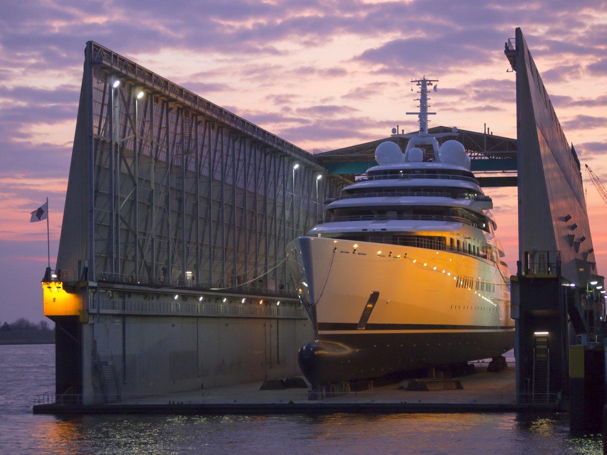 самый большой яхта в мире фото