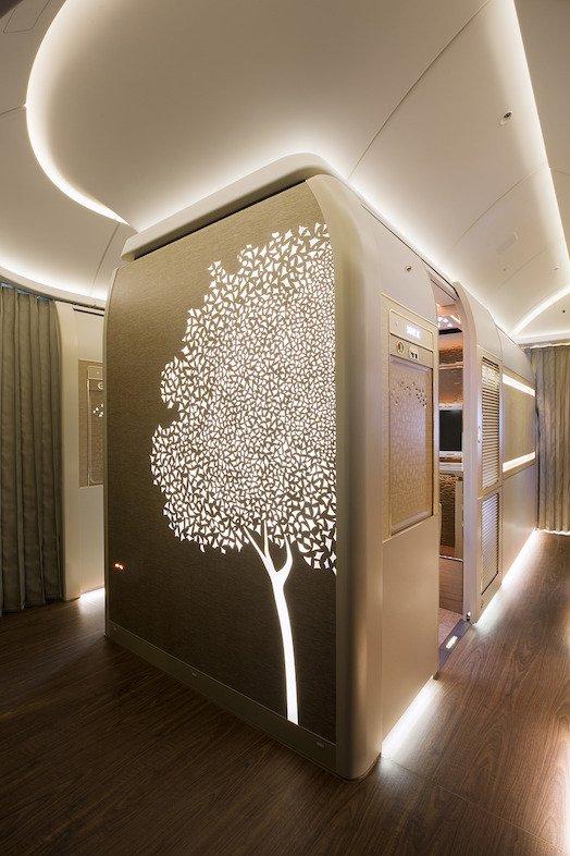 ФОТО: Как проходит полет в обновленном первом классе Emirates