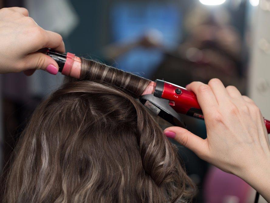 Быстрые прически на средние волосы. Пошаговые инструкции причесок фото 27