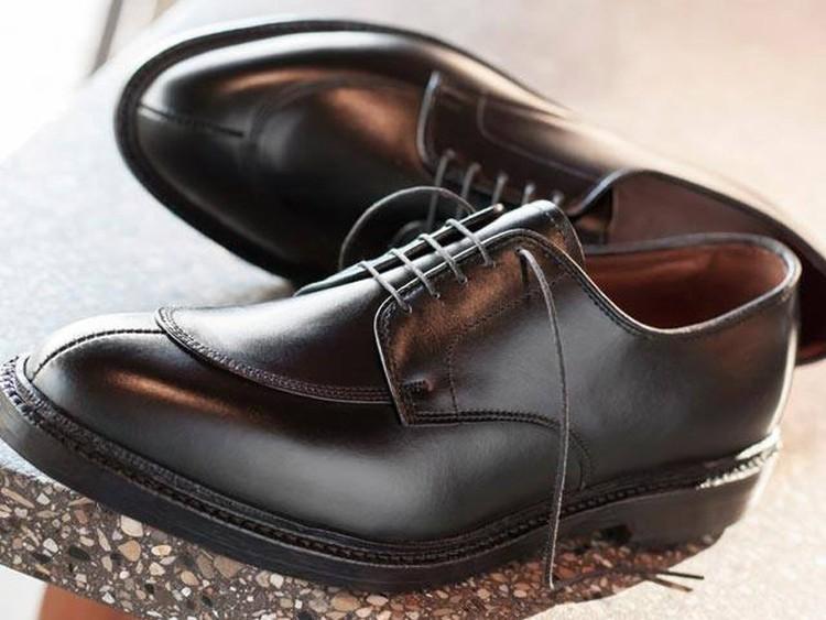 huge discount fa97f 4daef 6 tipi di scarpe che ogni uomo dovrebbe possedere   Stile di ...