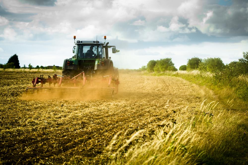 На смену трактору придет другая работа
