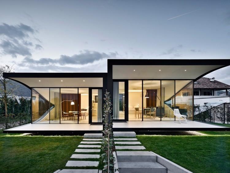 Case specchio stile di vita for Design della casa di 750 piedi quadrati